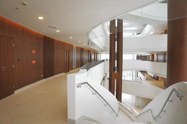 cerarl-walls-office-building